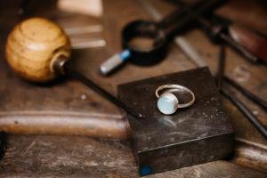 Reportage artisan, Photographe lyon, bijoux lyon, joaillerie, bijoux luxe, photographe artisan, artisan lyon